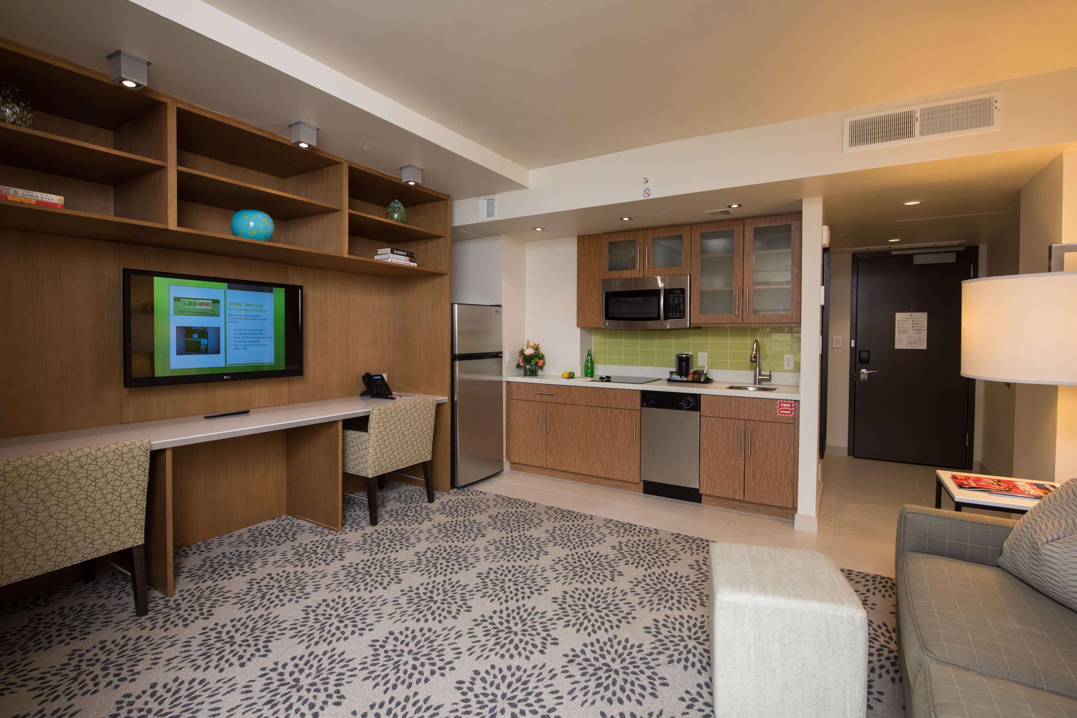 The Concordia, Washington Queen Room ADA